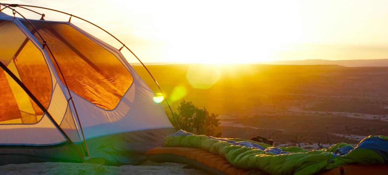 Sovsäck på klippa
